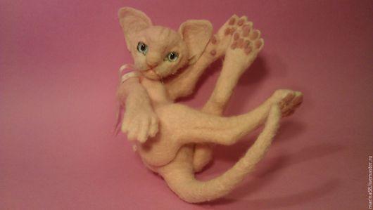 Игрушки животные, ручной работы. Ярмарка Мастеров - ручная работа. Купить котик розовый корниш-рекс Eva. Handmade. Кремовый