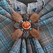 Украшения ручной работы. Ярмарка Мастеров - ручная работа Брошь из кожи и меха норки с натуральным сердоликом. Handmade.
