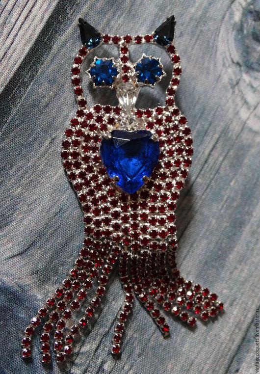 """Винтажные украшения. Ярмарка Мастеров - ручная работа. Купить Винтажная брошь """"Сова"""" с синим сердечком. Handmade. Серебряный, кристаллы"""
