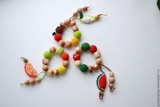 """Развивающие игрушки ручной работы. Ярмарка Мастеров - ручная работа. Купить Грызунок """"Долька"""" из можжевельника. Handmade. Слингобусы, яблоко, игрушка"""