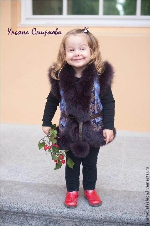"""Одежда для девочек, ручной работы. Ярмарка Мастеров - ручная работа. Купить Жилетка детская из павловопосадского платка """" Фаворит"""". Handmade."""