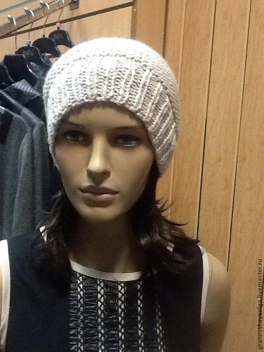 Шапки ручной работы. Ярмарка Мастеров - ручная работа. Купить Теплая зимняя шапочка. Handmade. Однотонный, шерсть 100%, бежевый
