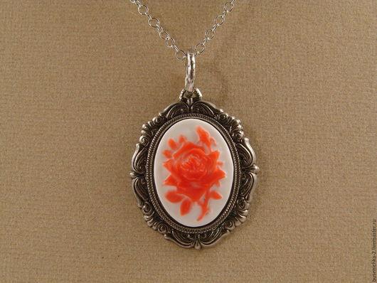 Кулоны, подвески ручной работы. Ярмарка Мастеров - ручная работа. Купить Камея Красная роза на белом (13х18мм). Handmade.