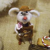 Год Крысы 2020 ручной работы. Ярмарка Мастеров - ручная работа Влюбленный мышонок. Handmade.