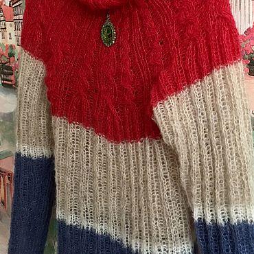 Одежда ручной работы. Ярмарка Мастеров - ручная работа Вязаный свитер из альпаки на шелке ( вишня, беж, синий). Handmade.