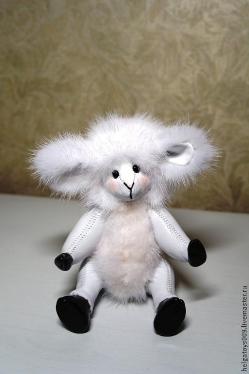 Мишки Тедди ручной работы. Ярмарка Мастеров - ручная работа. Купить Овечка из натурального меха и кожи. Handmade. Белый