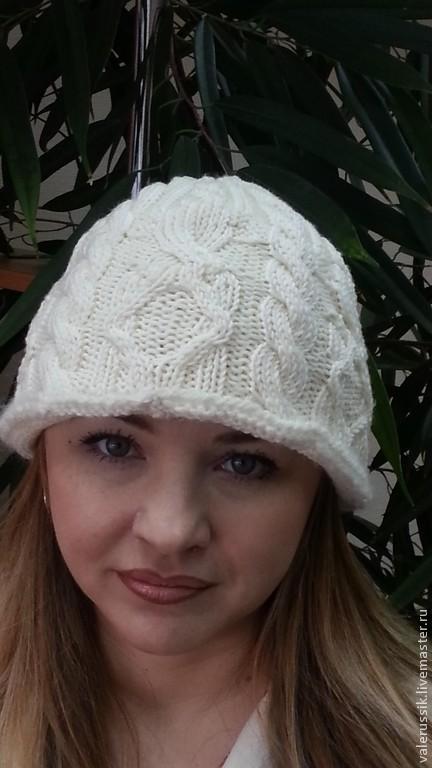 Шапки ручной работы. Ярмарка Мастеров - ручная работа. Купить Зимняя шапка-панама косичковая и манишка в комплекте. Handmade. Белый