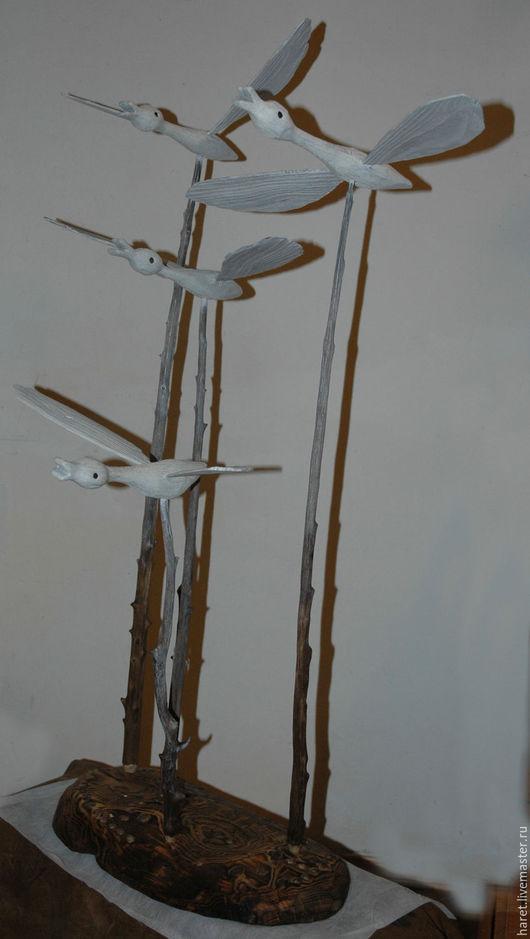 Утки летят на юг. Интерьерная композиция. Наполнит пространство дома ощущением движения к теплу. Вырезано из древесины сосны на можжевеловых стойках. Затонировано.