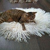 """Лежанки ручной работы. Ярмарка Мастеров - ручная работа Лежанка для кошки """"Молоко"""". Handmade."""