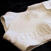 """Одежда ручной работы. Ярмарка Мастеров - ручная работа Валяный жилет """"Первый снег"""". Handmade."""