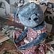 Авторский коллекционный мишка в винтажном стиле .Селесточка милая небесная мишка- ребенок , изготовлена из винтажного плюша , платье на подкладе сшито идеально . Селеста неплохо стоит и отлично сидит