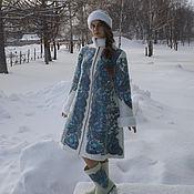 """Одежда ручной работы. Ярмарка Мастеров - ручная работа Комплект """"Зимушка Зима"""" (пальто, шапочка, валеночки, варежки). Handmade."""