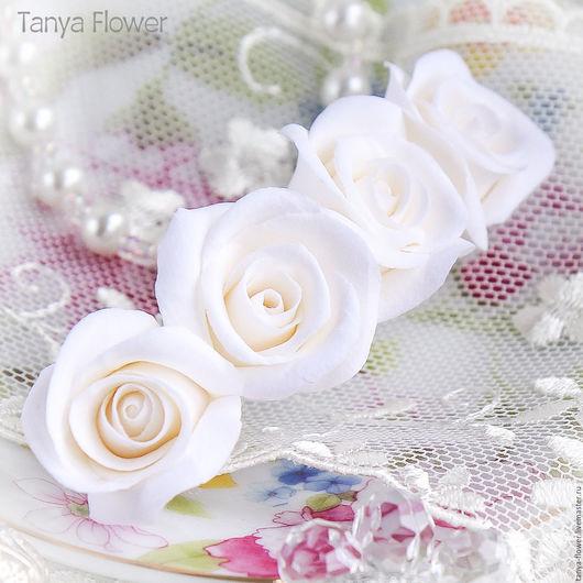 Свадебные украшения ручной работы. Ярмарка Мастеров - ручная работа. Купить Заколка-автомат с белыми розами. Handmade. Украшение для волос