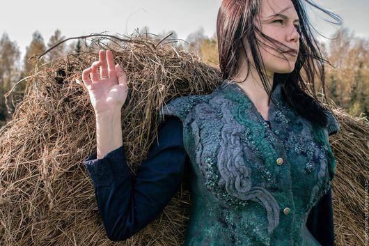 """Жилеты ручной работы. Ярмарка Мастеров - ручная работа. Купить Жилет """"Эльфийская принцесса"""". Handmade. Зеленый, войлочный жилет, на осень"""