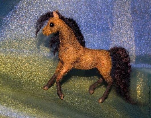 Игрушки животные, ручной работы. Ярмарка Мастеров - ручная работа. Купить Гнедая лошадка (сухое валяние). Handmade. Коричневый
