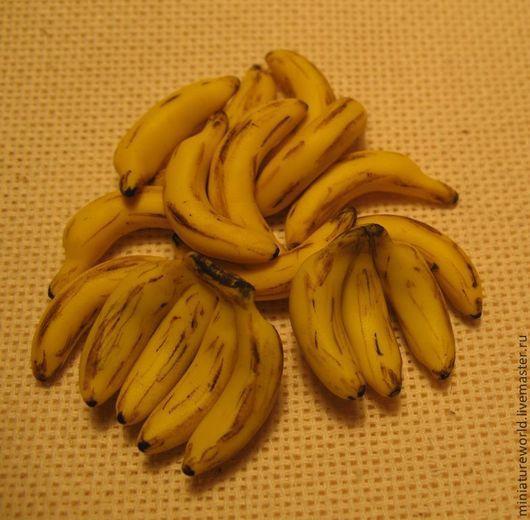 Миниатюра ручной работы. Ярмарка Мастеров - ручная работа. Купить Бананы 1:12. Handmade. Желтый, еда из пластики, для румбокса