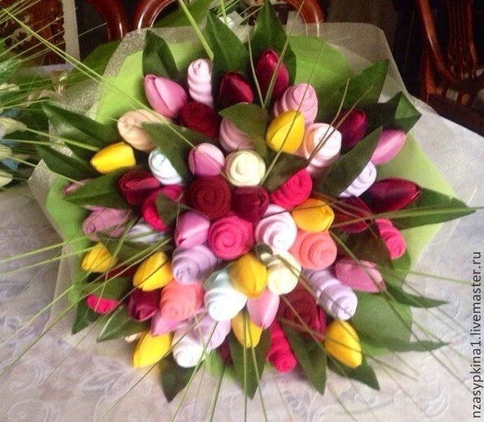 Тюльпаны для мамы своими руками 93