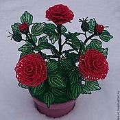 Поделки  роза из бисера