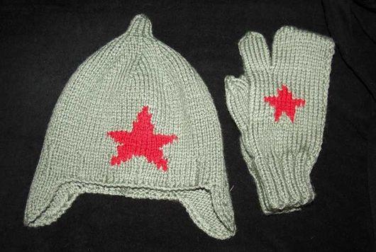 Подарки для мужчин, ручной работы. Ярмарка Мастеров - ручная работа. Купить Буденовка вязаная и армейские рукавицы. Handmade. Вязаная шапка