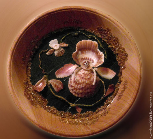 Фантазийная орхидея из ракушек