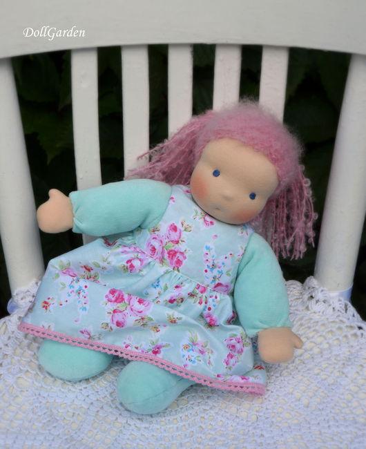 Вальдорфская игрушка ручной работы. Ярмарка Мастеров - ручная работа. Купить Вальдорфская кукла в пришивном комбинезоне Ментоловая Пироженка. Handmade.