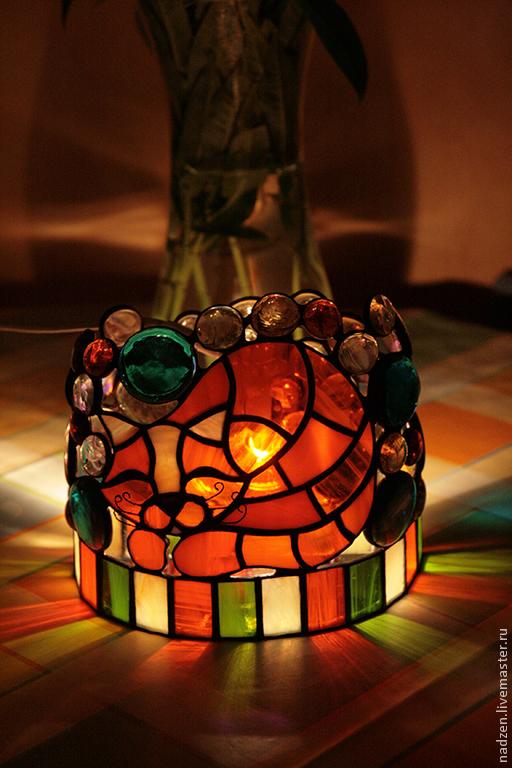 светильник-ночник Рыжий котейка  витраж в технике тиффани цветное стекло и стеклянные капли