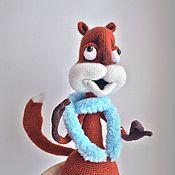 Куклы и игрушки ручной работы. Ярмарка Мастеров - ручная работа Белка-мечтательница вязаная игрушка. Handmade.
