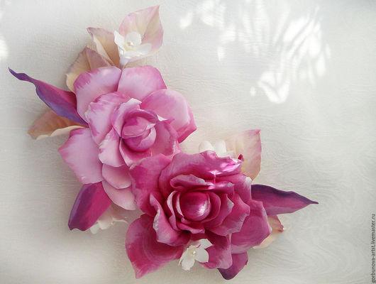 2 заколки, составляющие единую гармоничную композицию из цветов ручной работы, могут быть выполнены в любом оттенке.