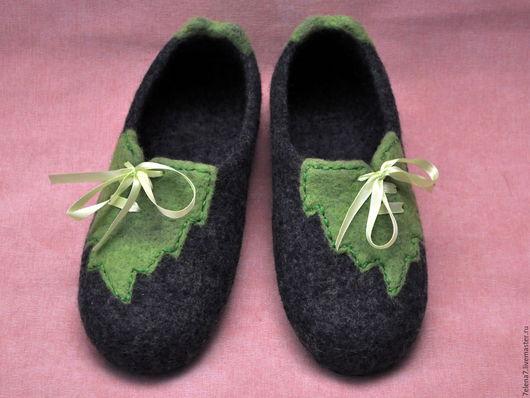 """Обувь ручной работы. Ярмарка Мастеров - ручная работа. Купить Валяные женские тапочки """"Зелёный лист"""". Handmade. Серый"""