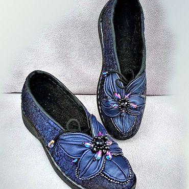 Обувь ручной работы. Ярмарка Мастеров - ручная работа Туфли  лоферы  валяные с цветком из кожи. Handmade.