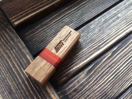 Персональные подарки ручной работы. Ярмарка Мастеров - ручная работа. Купить Флешка  в корпусе из натурального дерева. Handmade. Комбинированный