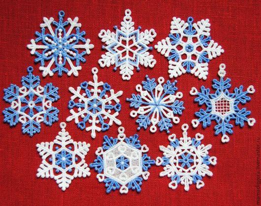Новый год 2017 ручной работы. Ярмарка Мастеров - ручная работа. Купить Набор снежинок бело-голубых 10 штук. Handmade.