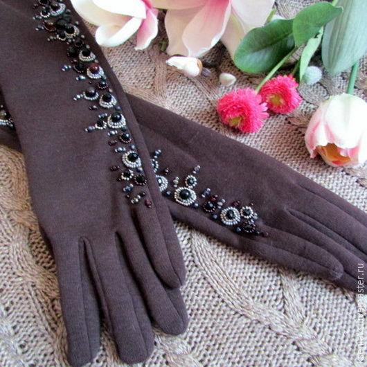 Вышивка на перчатках с бисером