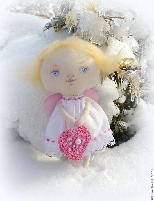 Рождественский подарок. Подарки для влюбленных ручной работы. Ангел - валентинчик. Ярмарка мастеров. Купить ангелочка. Светлинки.
