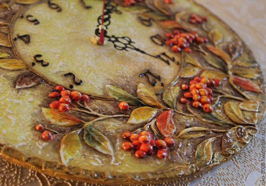 """Часы для дома ручной работы. Ярмарка Мастеров - ручная работа. Купить Часы """"Рябинка"""". Handmade. Оранжевый, часы с рябиной, дача"""