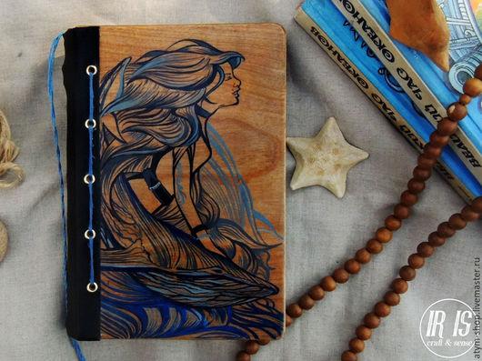 Блокноты ручной работы. Ярмарка Мастеров - ручная работа. Купить Блокнот из дерева Кит и Девушка, морской блокнот, блокнот с китом. Handmade.