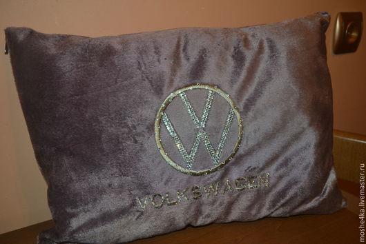 Автомобильные ручной работы. Ярмарка Мастеров - ручная работа. Купить Автомобильная подушка Volkswage с кристаллами Swarovski. Handmade. Бледно-сиреневый