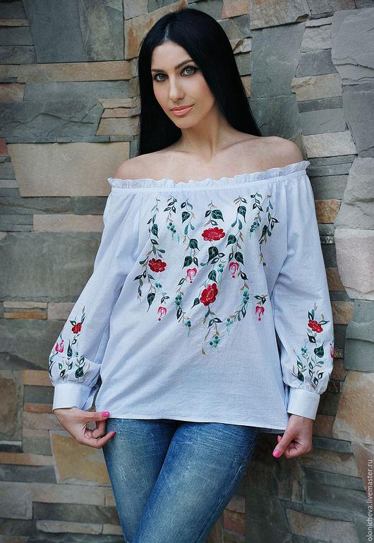"""Блузки ручной работы. Ярмарка Мастеров - ручная работа. Купить Белая вышитая блуза """"Ягоды и цветы"""". Handmade. Белый"""