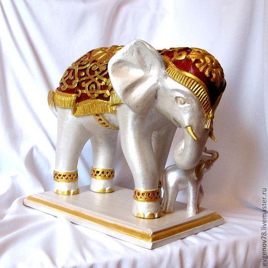 Статуэтки ручной работы. Ярмарка Мастеров - ручная работа. Купить Серебряный Слон, скульптурная резьба по дереву, для интерьера. Handmade. Слон