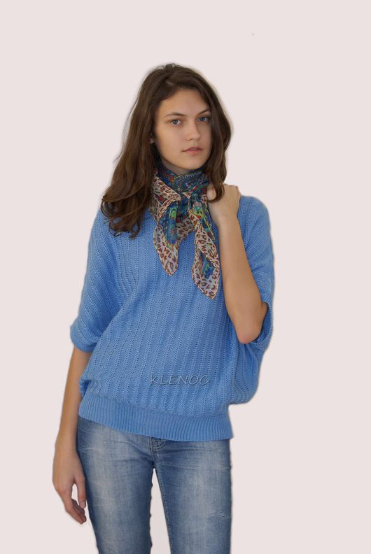 Пуловер женский вязаный