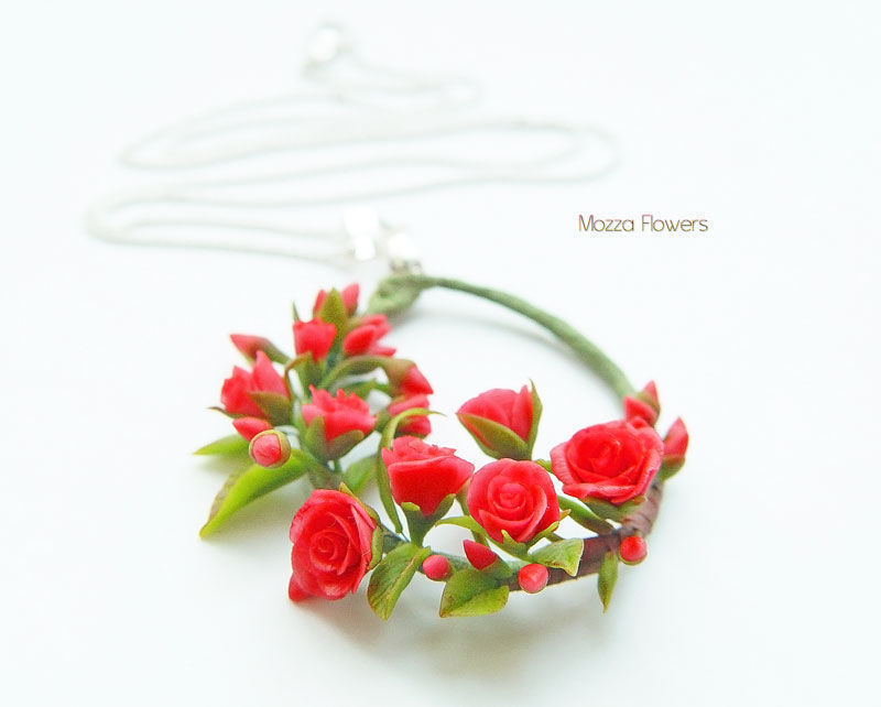 Pendant 'Red roses'. Flowers from polymer clay, Pendants, Zarechny,  Фото №1