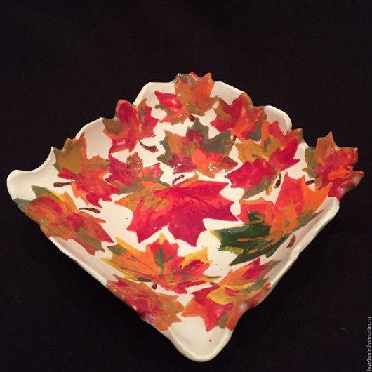"""Тарелки ручной работы. Ярмарка Мастеров - ручная работа. Купить """"Золотая осень"""" тарелочка. Handmade. Осень, тарелочка, для фруктов, фаянс"""