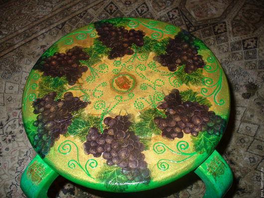 Мебель ручной работы. Ярмарка Мастеров - ручная работа. Купить Табуреточка /Кофейный столик+бутылочка. Handmade. Зеленый, стульчик, Декупаж, золотой