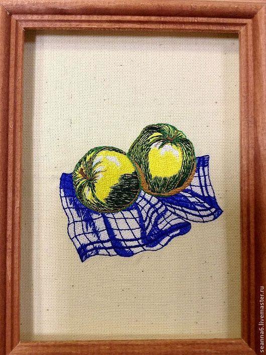 """Натюрморт ручной работы. Ярмарка Мастеров - ручная работа. Купить Картина, картинка вышитая """"Зеленые яблочки"""" в разных размерах и цветах. Handmade."""