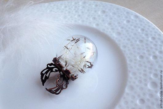 """Кулоны, подвески ручной работы. Ярмарка Мастеров - ручная работа. Купить Кольцо с одуванчиками """"Память о лете"""" безразмерное со стеклянным шаром. Handmade."""