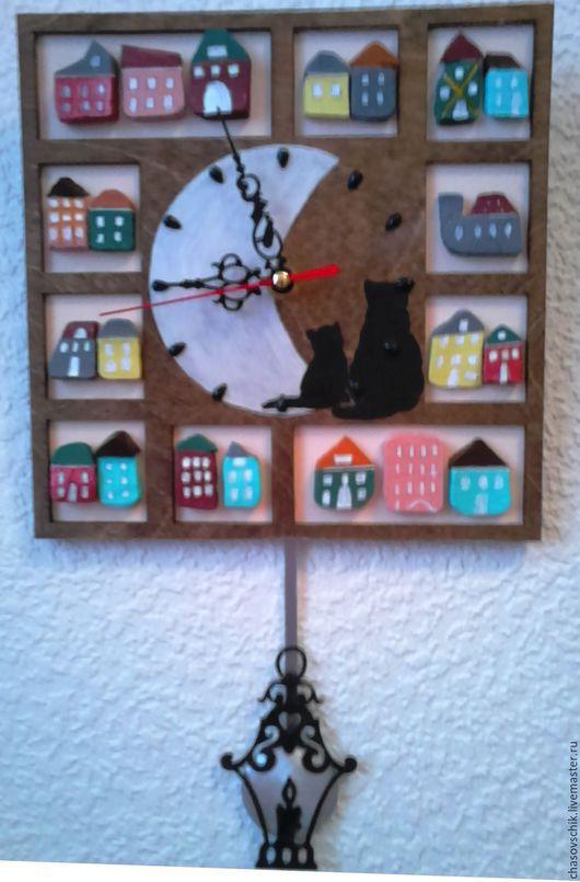 """Часы для дома ручной работы. Ярмарка Мастеров - ручная работа. Купить Часы настенные """"Ночной город"""". Handmade. Коричневый"""
