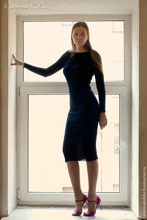 Платья ручной работы. Ярмарка Мастеров - ручная работа. Купить эффектное платье миди. Handmade. Тёмно-синий, Машинное вязание