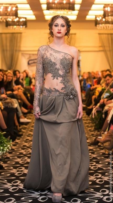 Платья ручной работы. Ярмарка Мастеров - ручная работа. Купить Авторское платье из натуральной кожи, кружева и шелка. Handmade. Серый