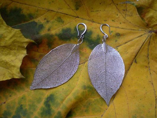 Серьги со скелетированными листьями в серебре