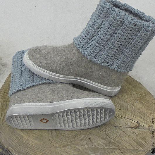 Обувь ручной работы. Ярмарка Мастеров - ручная работа. Купить Женские валяные сапожки. Handmade. Серый, валенки на подошве